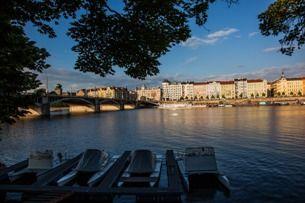 Хотите отдохнуть в центре Праги как местные? Посетите Наплавку!