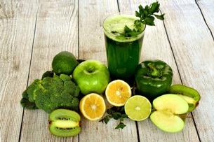 Весенняя детоксикация полезными и вкусными соками и смузи